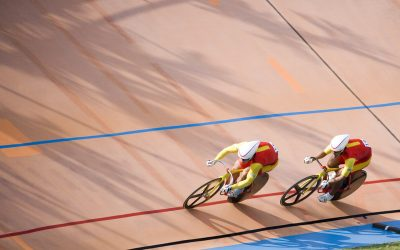 What do cycling and business have in common when it comes to tactics?